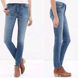 "HOT ITEM Madewell 9"" skinny High riser jeans"
